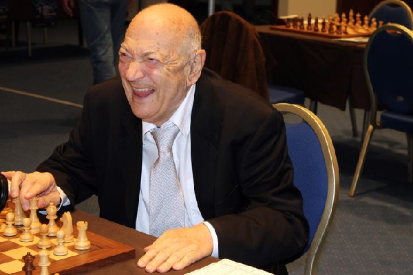 Victor Korchnoi at the European Team Chess Championships